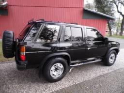 Caminhonete Nissan Pathfinder 92! Turbo Diesel! Excelente!! Troco Carros ou Caminhonetes - 1992