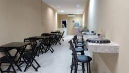 Mesas, cadeiras, banquetas e bancadas em granito
