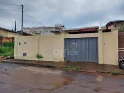Casa com 3 dormitórios para alugar, 100 m² por R$ 850/ano - Jardim Ana Paula - Anápolis/GO