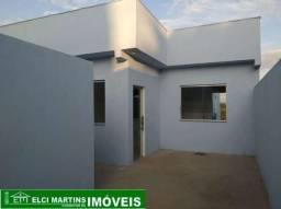 Casa em Mateus Leme com 03 quartos, terreno grande, garagem para 04 carros