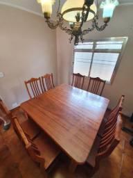 Mesa + 8 Cadeiras - Madeira Maciça