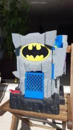 Caverna do Batman Imaginext com personagens