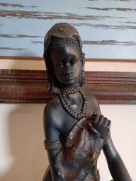 Estatueta princesa afro .