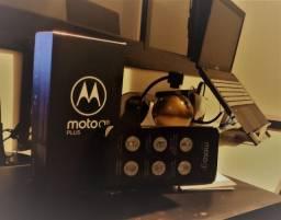 Celular Motorola G8 Plus. Im-pe-cá-vel, na garantia até março/21