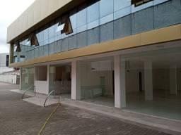 Alugo prédio na Epitácio com estacionamento para 30 carros