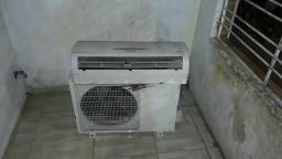 Ar condicionado pegando perfeitamente,  garantia 3 mês