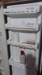 Geladeira gelando muito bem