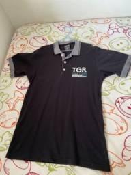 Vinte e quatro camisas infantis por 250 reais