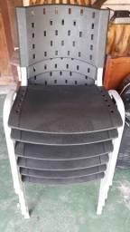 Cadeiras de escritório empilháveis