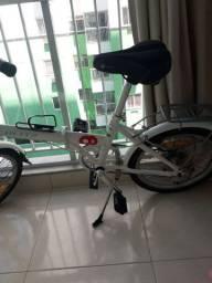 Vendo bicicleta dobrável pouco uso.