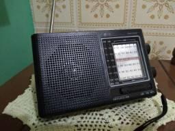 Radio Inova am/fm/sw multi bandas dispensa cabos e pilhas som potente produto novo