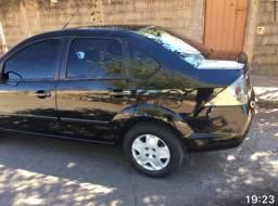 Fiesta sedan 2011. Carro muito novo!!!