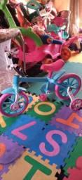 Linda bicicleta infantil aro12 semi nova