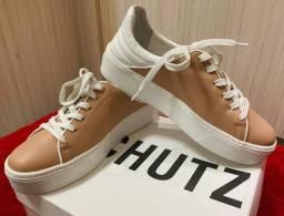 Vendo par de tênis Schutz feminino novo, n° 39