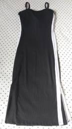 Vendo esse vestido preto canelado ?