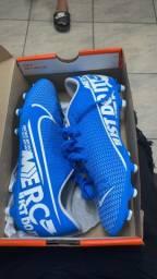 Chuteira Nike azul 39/40 nunca usada