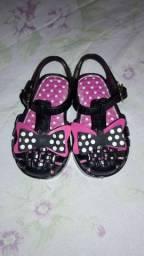 Lindo sapatinho e uma linda sandália