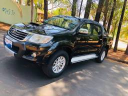 Toyota Hilux CD 4x4 Automática Diesel