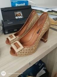 Sapatos seminovos desapego