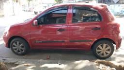 Nissan March 1.6 em Exc estado