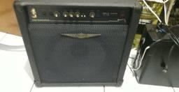 Amplificador de contrabaixo Oneal 200W