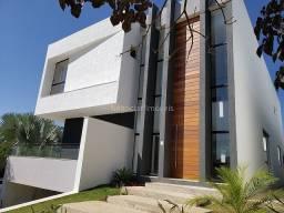 Casa nova com 3 suítes e 3 vagas no Condomínio Residencial Alvim