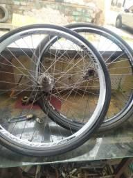 Vendo 2 Rodagens aero com pneus