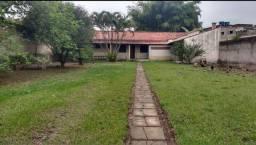 Casa com Grande Terreno em Quatis