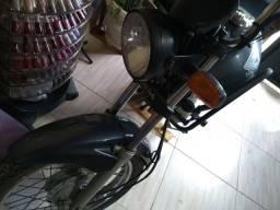 Titan 2012  150cc linda. Troco