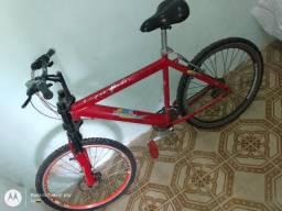 Vendo bicicleta semi nova com freio a disco
