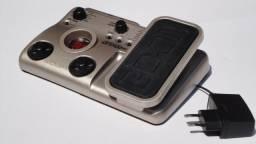 Pedaleira Zoom G1XN com pedal