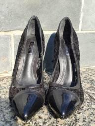 Sapato scarpin schutz preto nunca usado tamanho 34
