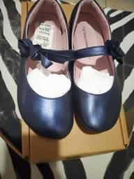 Sapatos infantis novíssimos !