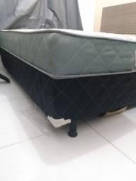 Cama Box com 6 meses de uso