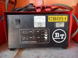 Carregador de bateria tracionada