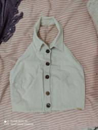 Blusa de botão tamanho P, costa nua