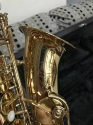 Saxofone Alto Júpiter - Jas 567
