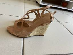 Sandália clara Mota