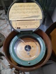 antigo aparelho para altitude .