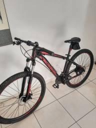 Bicicleta Oggi Hacker Sport Aro 29  - Quadro 17  Preto Vermelho<br><br>