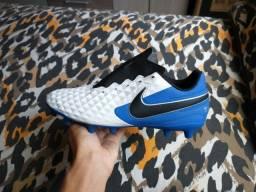 Chuteira De Campo Nike!