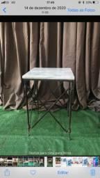 Mesa de canto ferro com tampo mármore