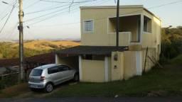 Título do anúncio: Vendo duas casas com 1 carro na garagem e mais 3 lotes