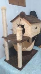 Arranhador casa com rede para gatos