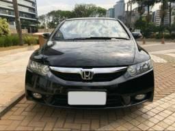 Honda Civic 1.8 -  PARCELAMOS