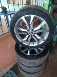Vendo jogo de roda aro 17 pneus meia vida