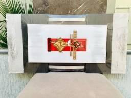Disponível luxuoso quadro em madeira com metragem 60 x 1.20