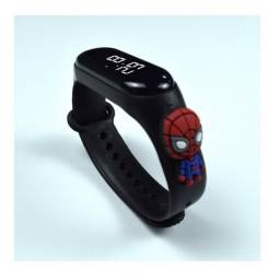 Relógio De Led Infantil Vingadores Heróis Marvel Homem Aranha