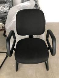 Título do anúncio: 2 Cadeiras Diretor com braço SKY/ fixa/ Excelente estado conservação