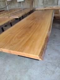 Mesas Rústicas com os pés de ferro